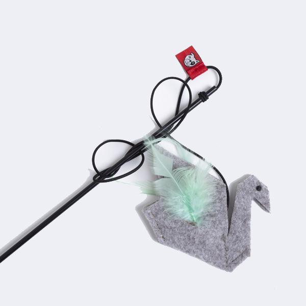 le cleps origami swan catnip 2